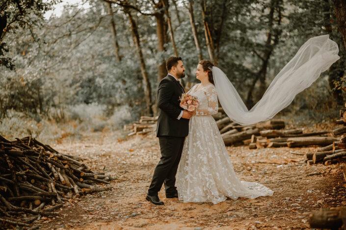 orman gelin damat fotoğrafları, ormanda çekilmiş gelin damat fotoğrafları, gelin damat pozları, düğün fotoğrafçısı pozları
